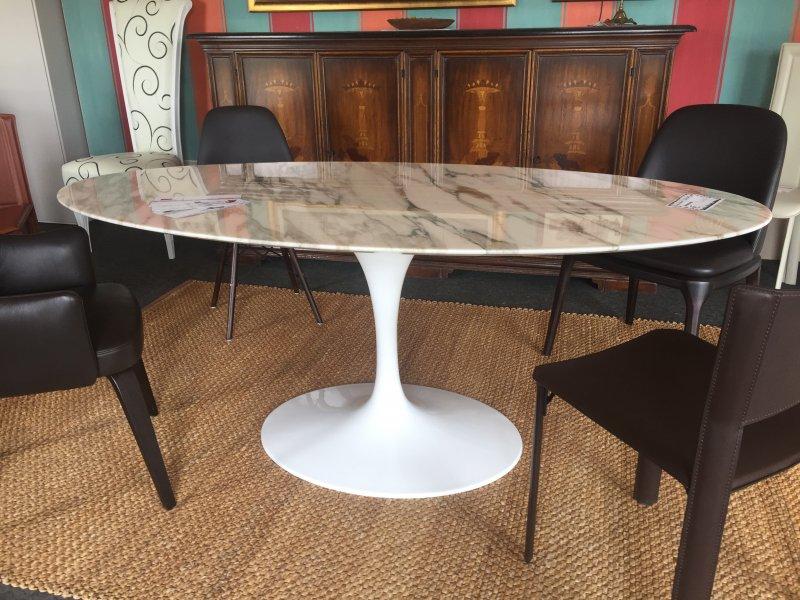 Tavolo Saarinen Marmo : Tulip table calacatta oro eero saarinen