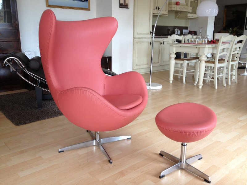 Egg Poltrona Prezzo.Poltrona Arne Jacobsen Egg Chair