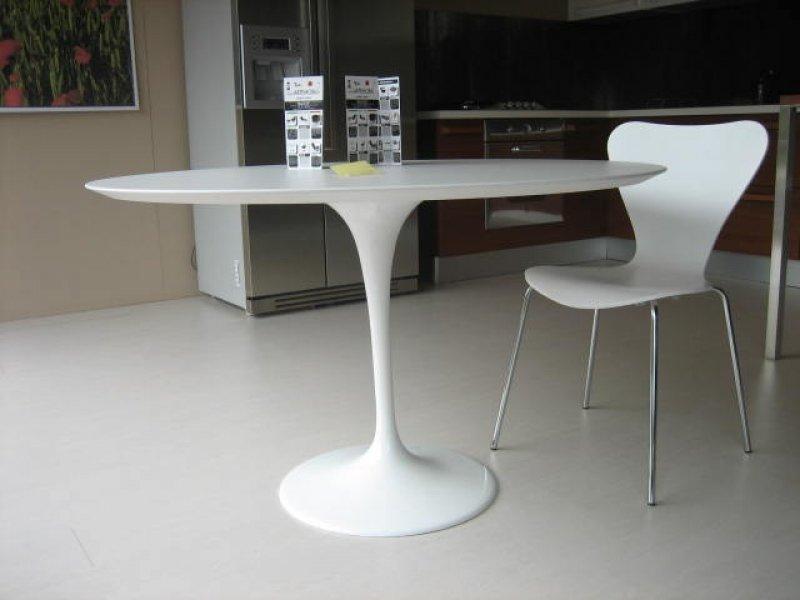 Tavolo saarinen sedia jacobsen serie 7 - Ikea tavolo tondo ...